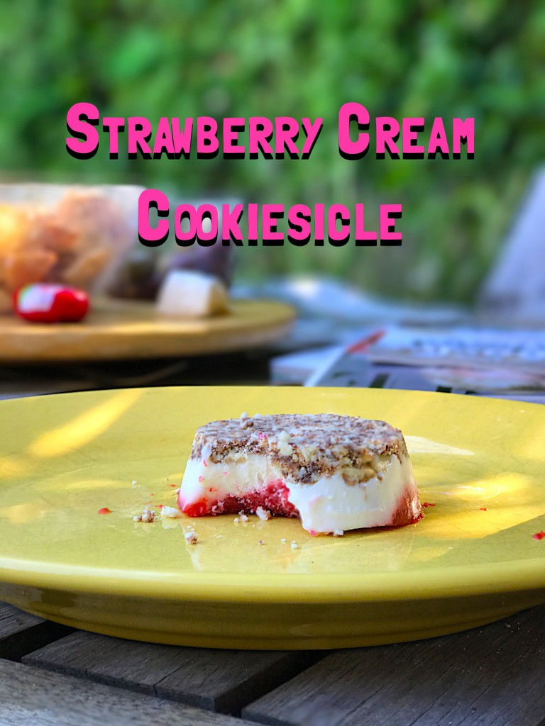 Strawberry Cream Cookiesicle